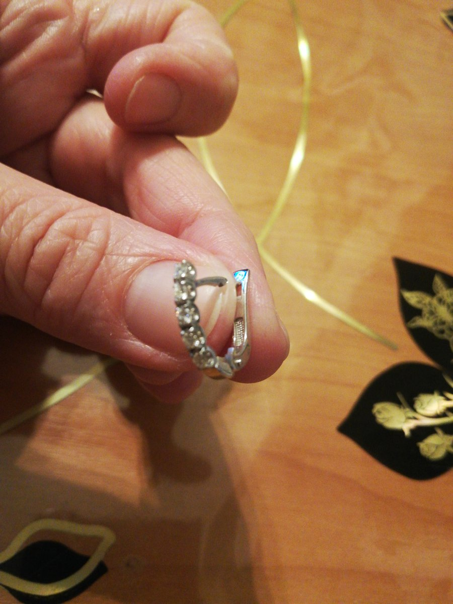 Серьги с бриллиантами.