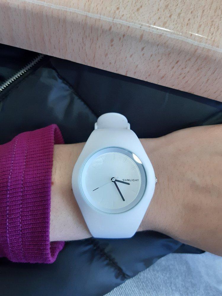 Стильные, удобные часы.