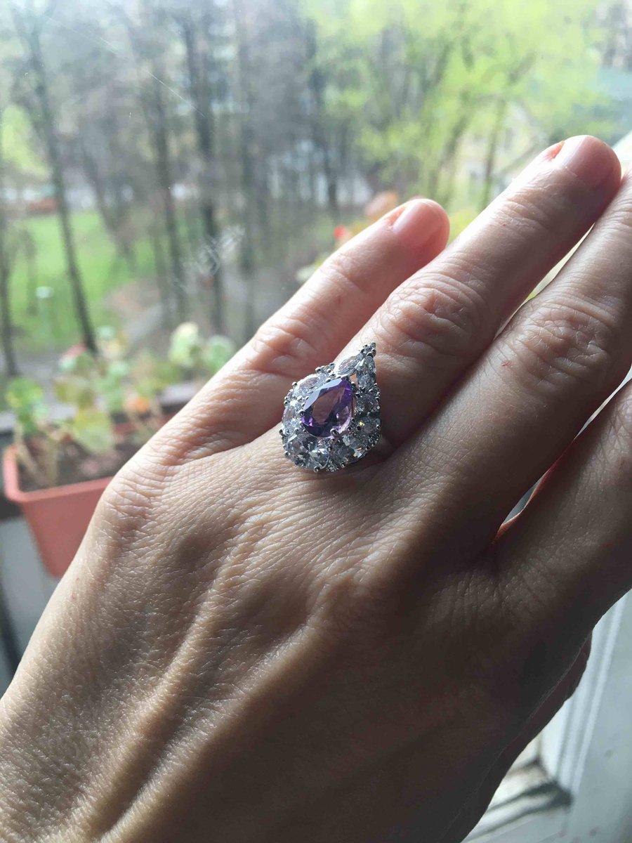 Очень нарядное кольцо