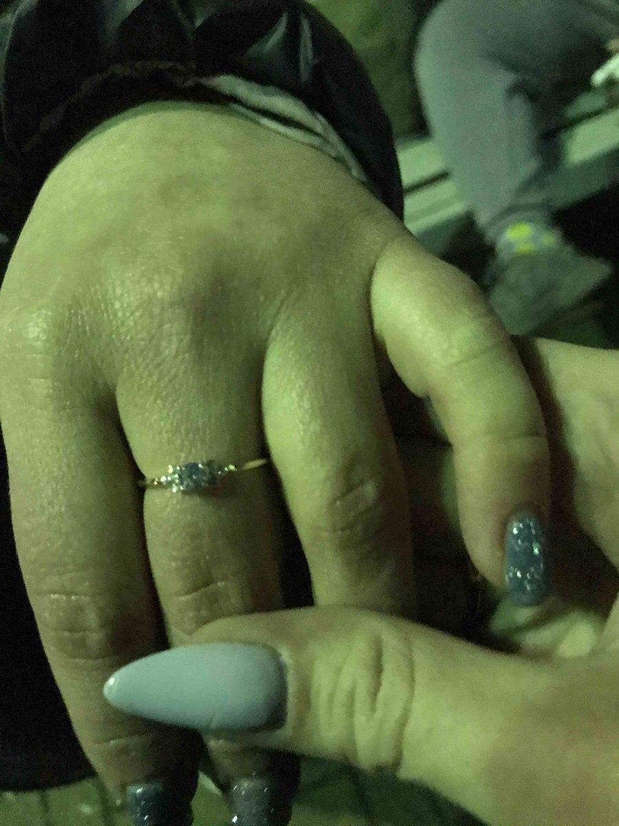 Кольцо очень милое взяла в подарок подруге