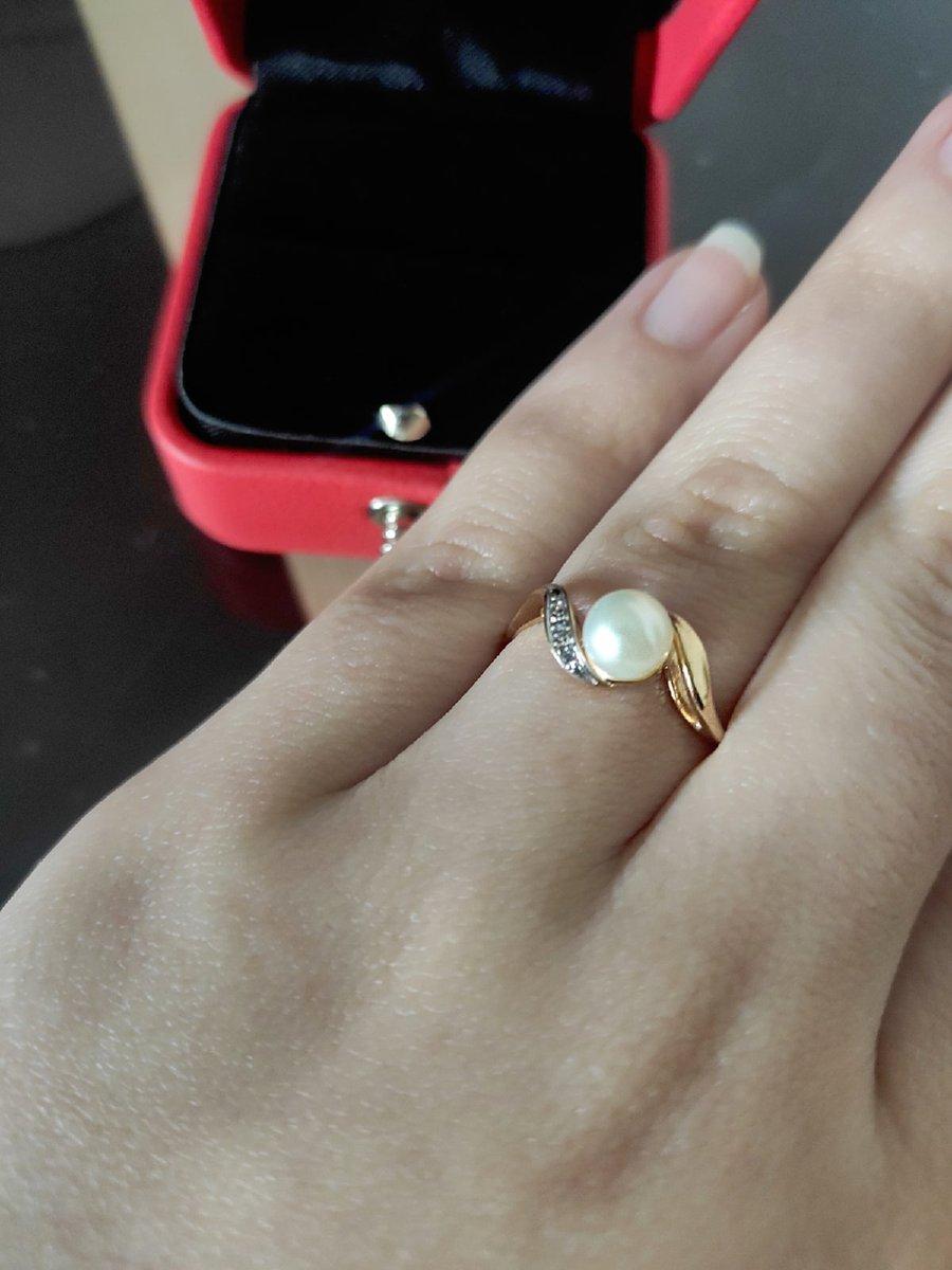 Замечательное кольцо с жемчугом.