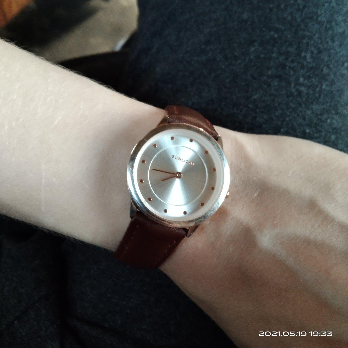 Простые и удобные часы.