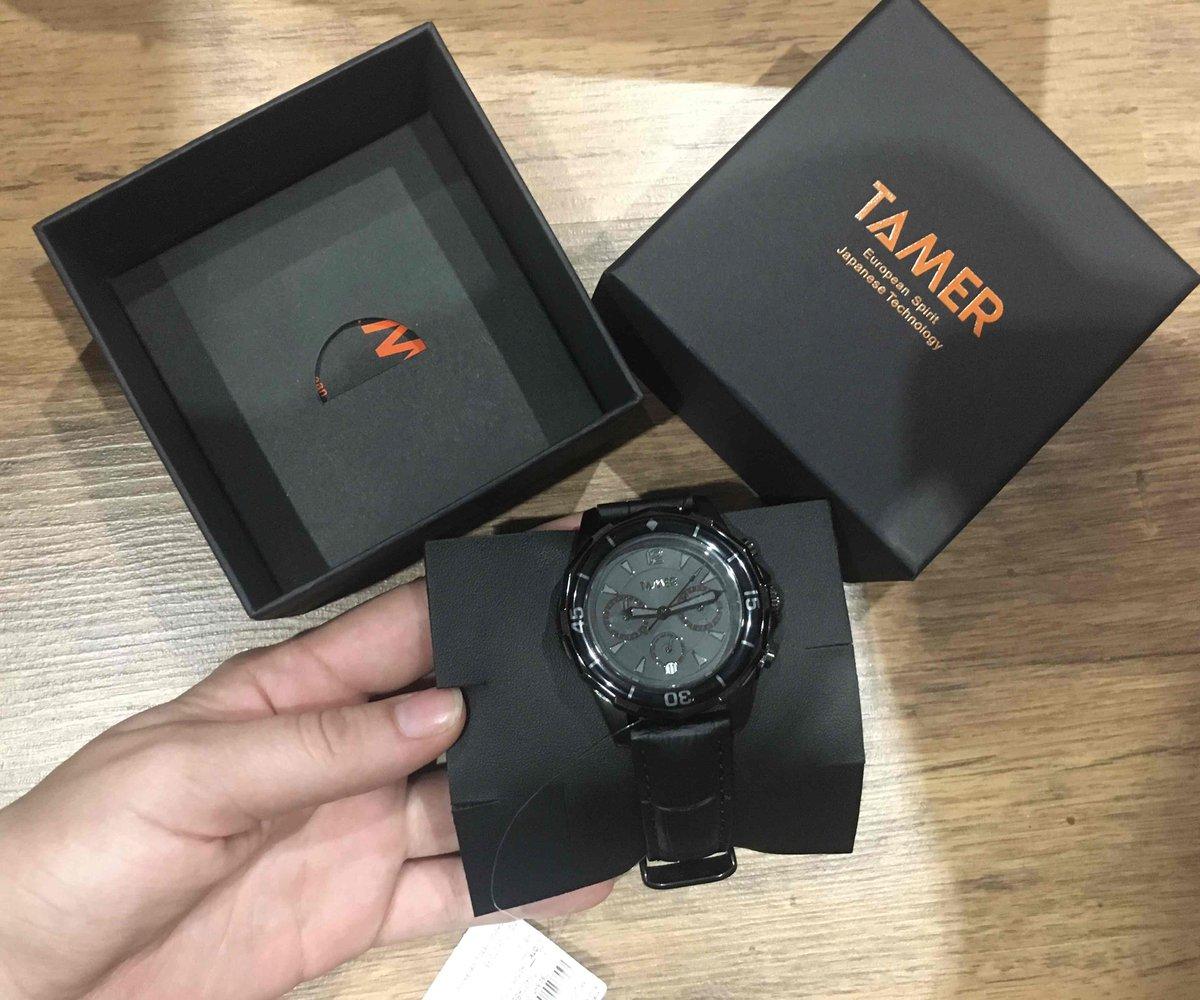 Красивые часы, внешний вид достойный.