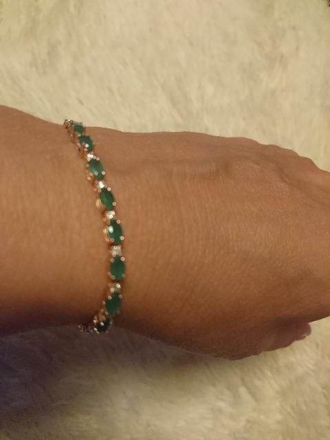 Мой подарок на юбилейную дату: золотой браслет с изумрудами и бриллиантами