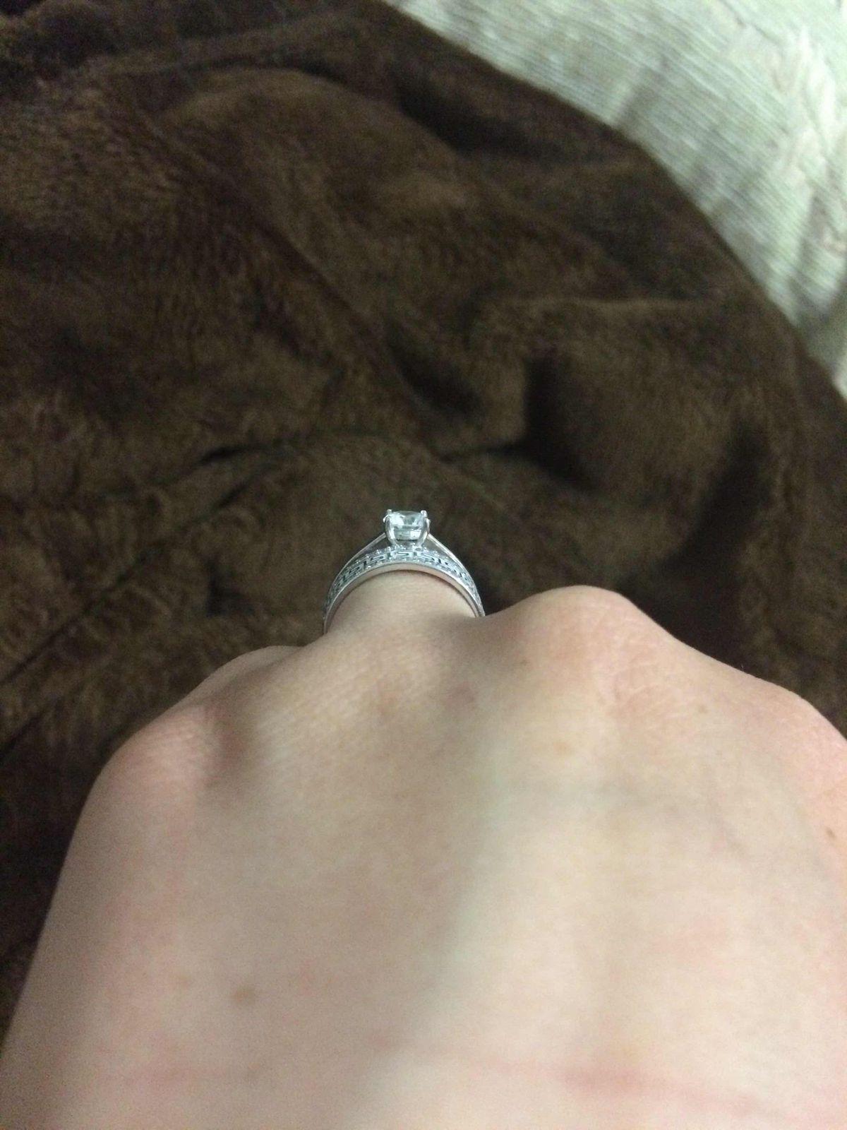 Милое и изящное кольцо за приятеую цену!