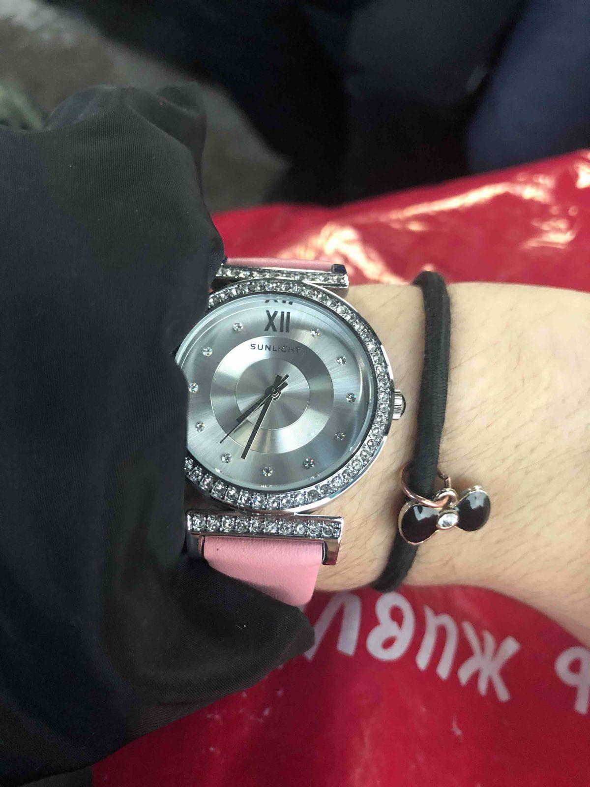 Купила часы ,нереально крутые ,очень нежные и женственные