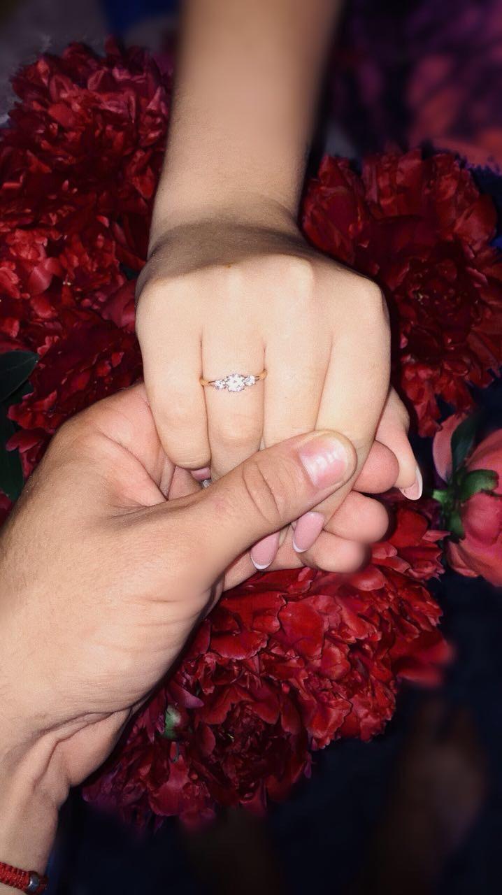 Кольцо очень понравилось моей девушку,очень хороший подарокразмер как надо