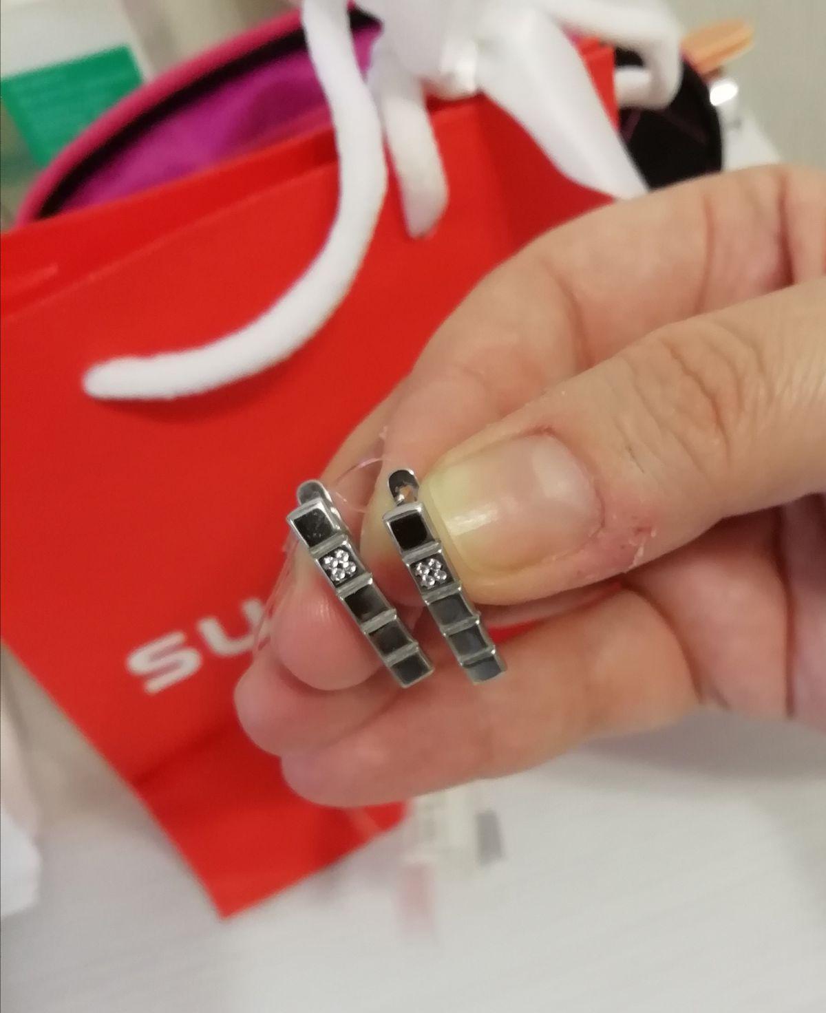 Серебряные серьги со вставкой из фианитов