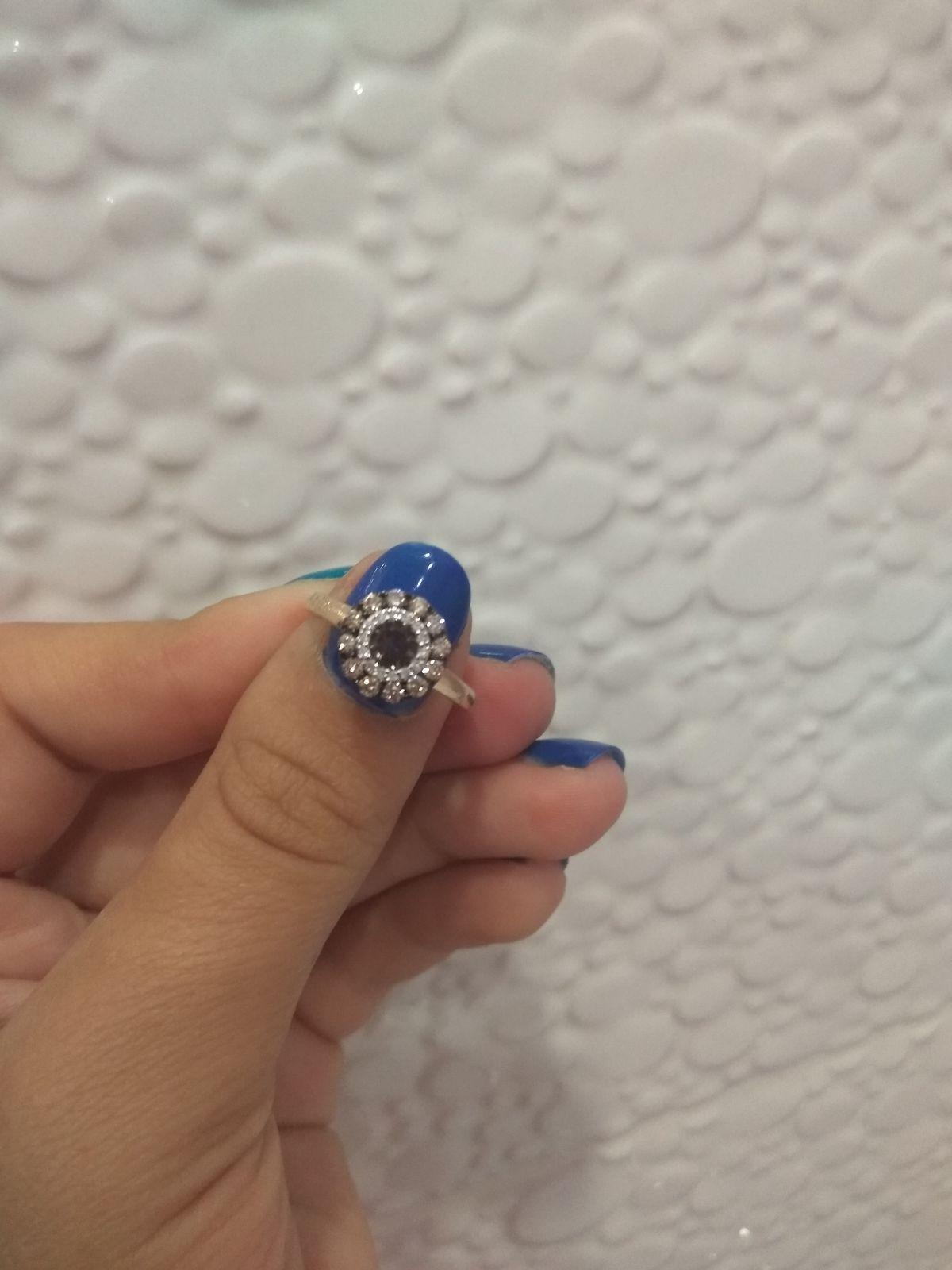 Кольцо с коньячными бриллиантами, подчеркнёт ваш изысканый вкус.