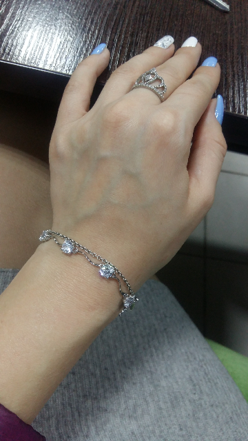 Очень женственный, красивый браслет!