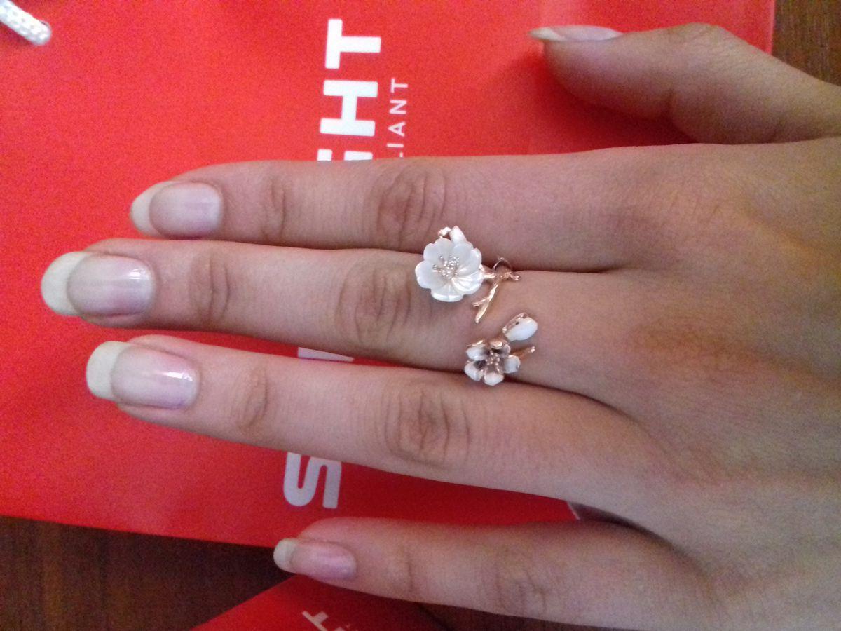 Очень красивое кольцо в романтическом стиле
