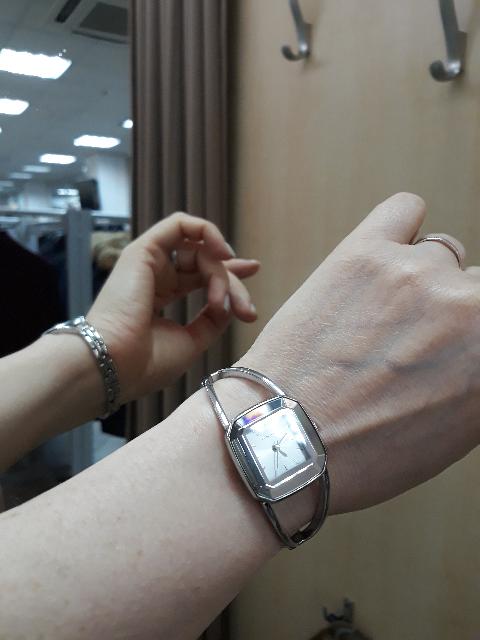 Подарок! Говорят часы не дарят...Но я не суеверна.От них я в восторге!!!!!