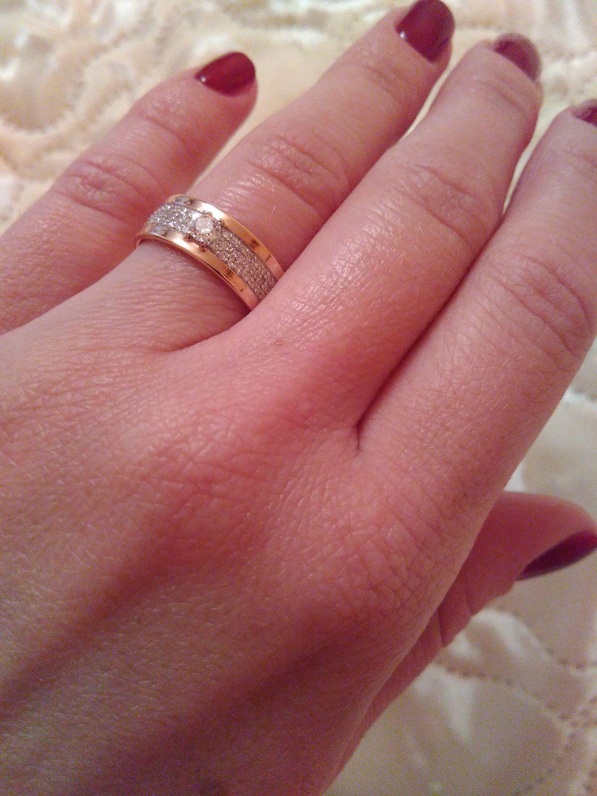Кольцо - идеальный подарок :)