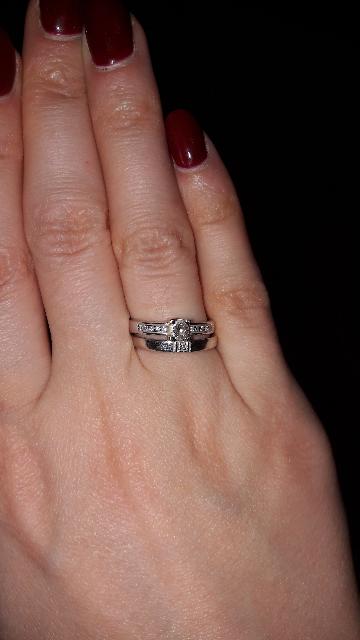 Красивое кольцо на помолвку