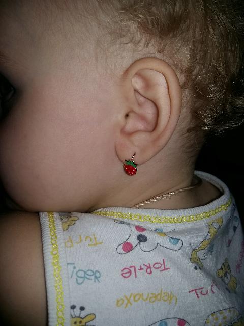 Аккуратные серёжки для маленькой принцессы