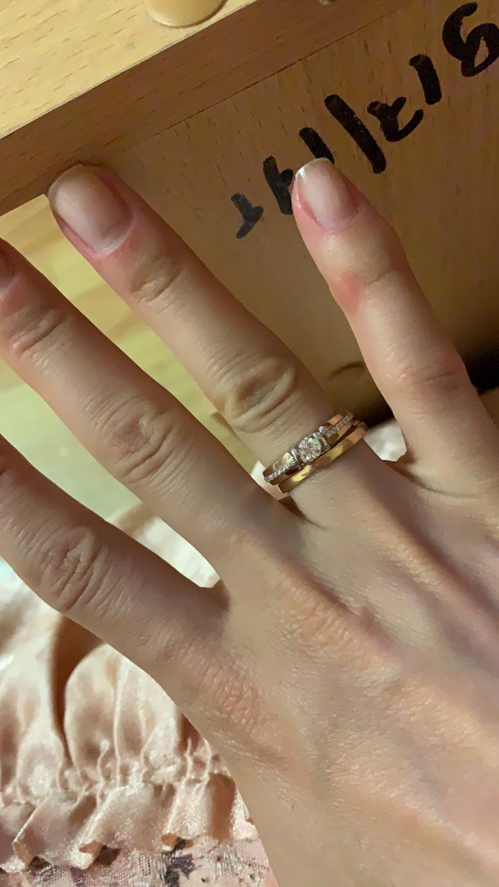 Кольцо с бриллиантом просто топ!