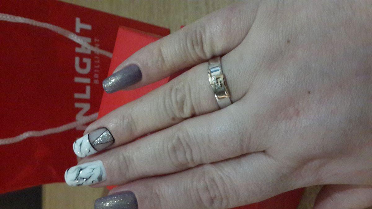 Серебряное колечко с бриллиантами