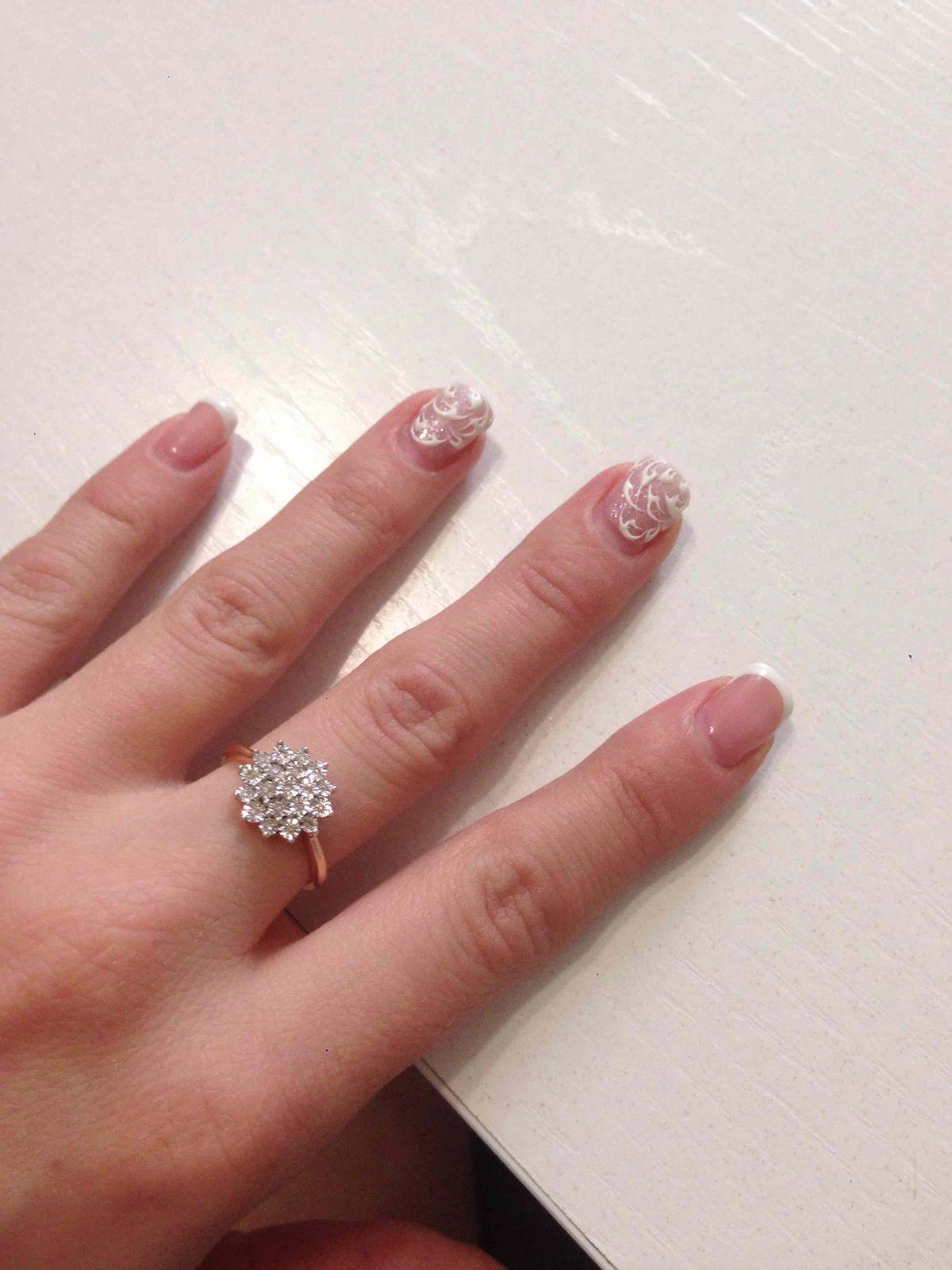 Кольцо с бриллиантоми