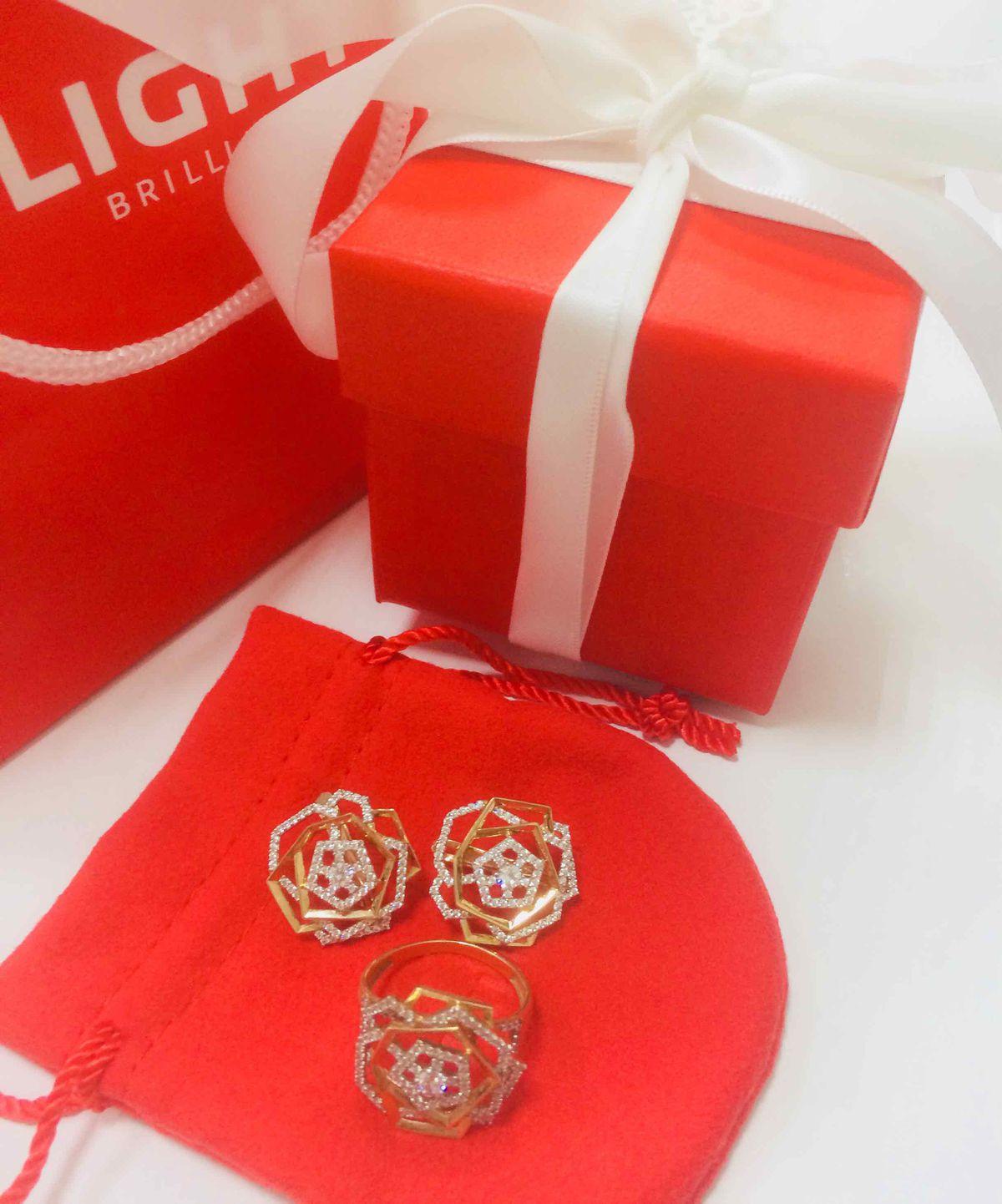 Серги супер ))) сделала себе подарок на день рожденье ❤️❤️❤️❤️❤️ супер sl