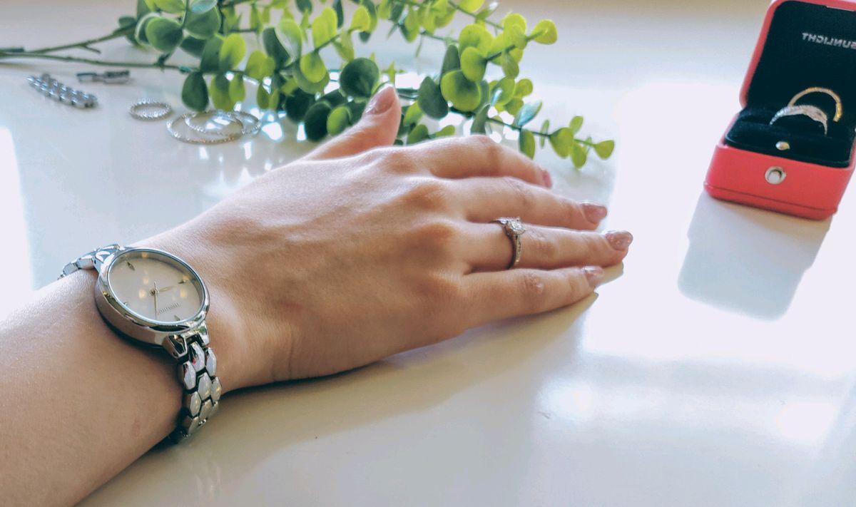 Элегантные женские часы