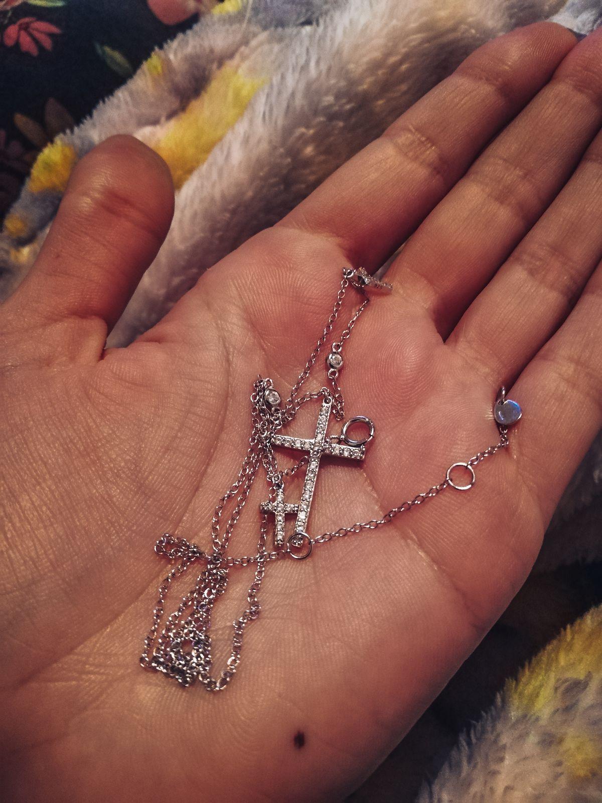 Давно хотела миленький крестик. Наконец нашла.