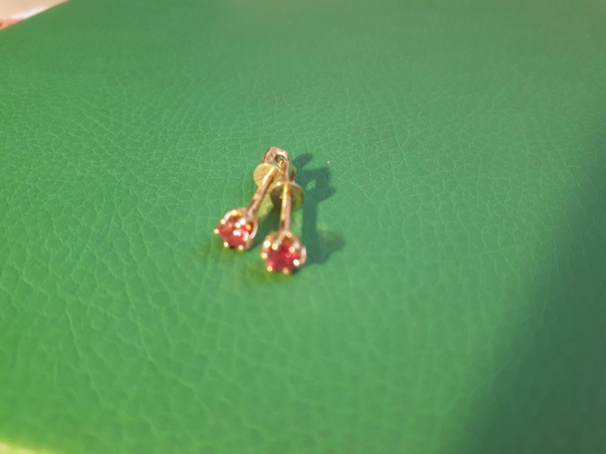 Прекрасные пуссеты с рубинами!!!