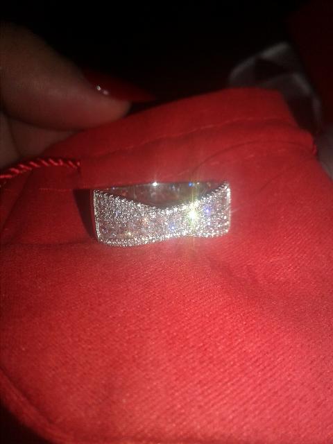 Могу сказать о кольце....