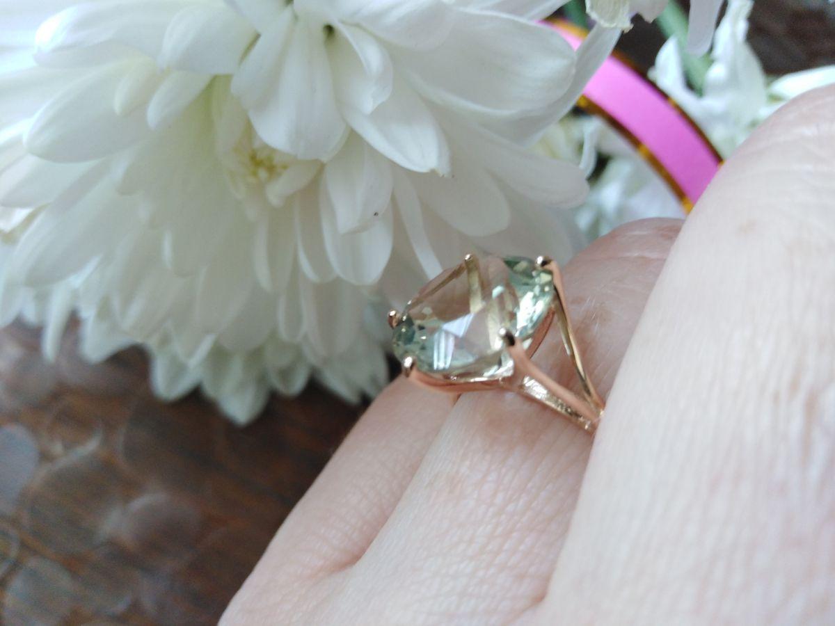Кольцо с зелёным аметистом