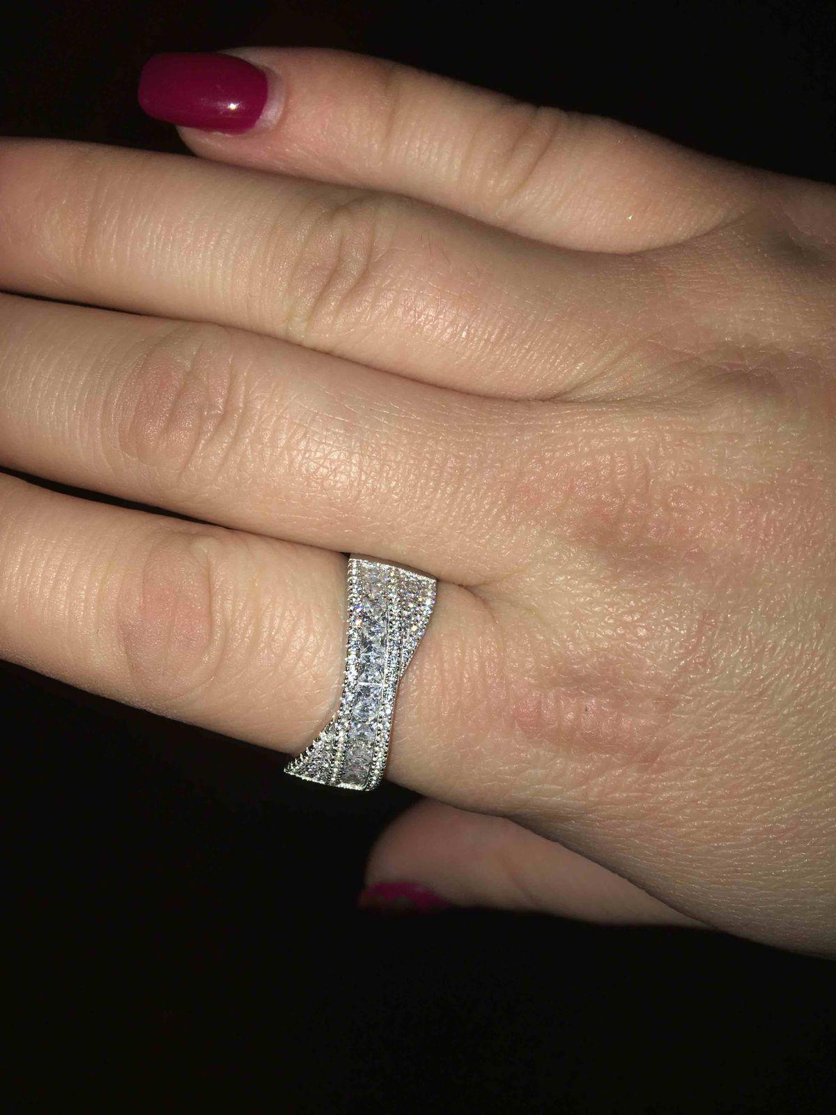 Купила кольцо)