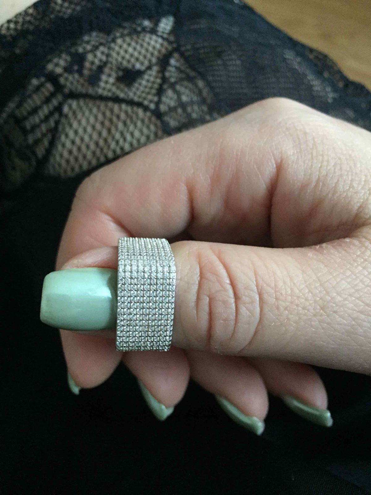 Благодарю Sunlight, кольцо безумно красивое! Скидка шикарная!