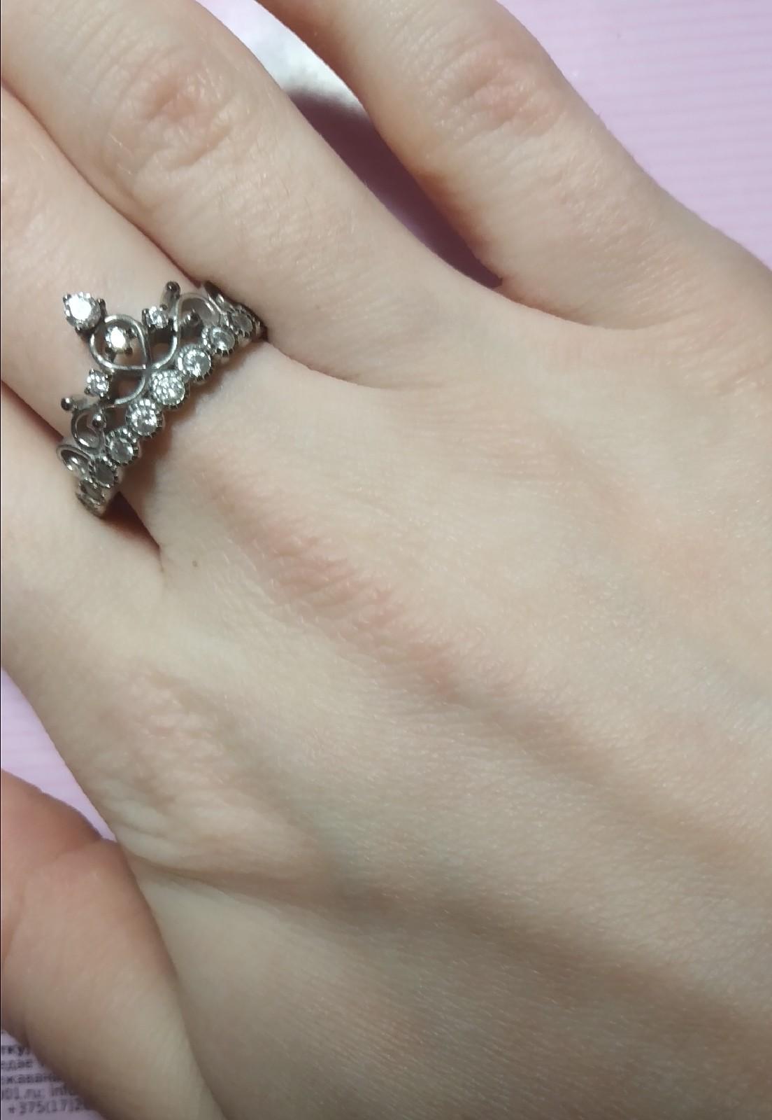 Красивое кольцо, но быстро почернело