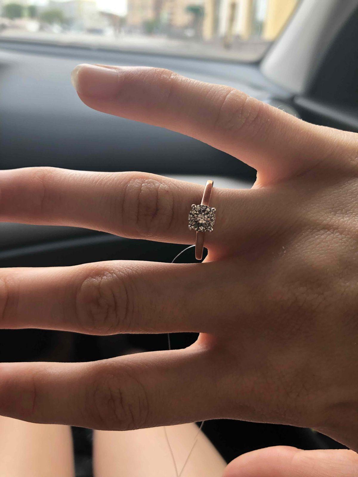Красивое, утонченное кольцо