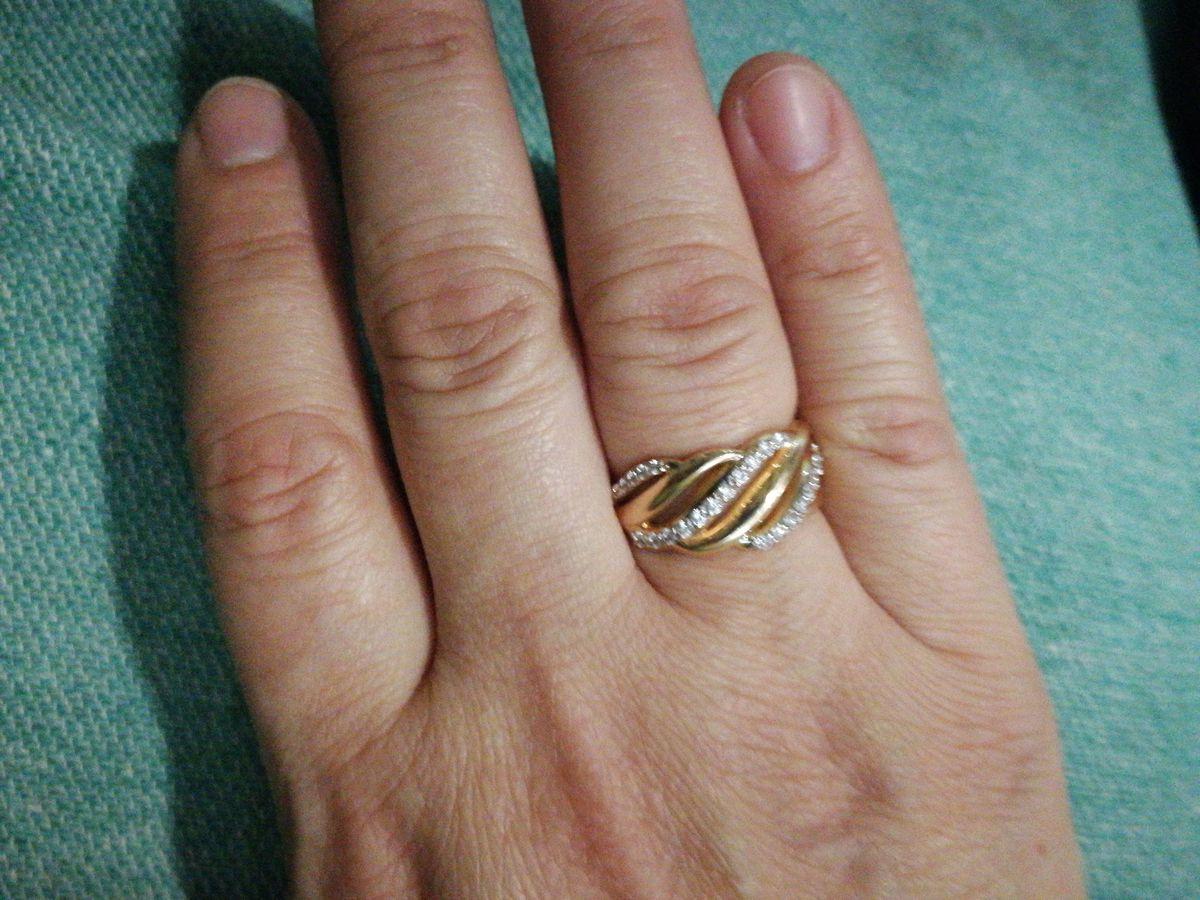 Кольцо супер, грамм мало, а  смотрится огромным, очень аккуратно  и красиво
