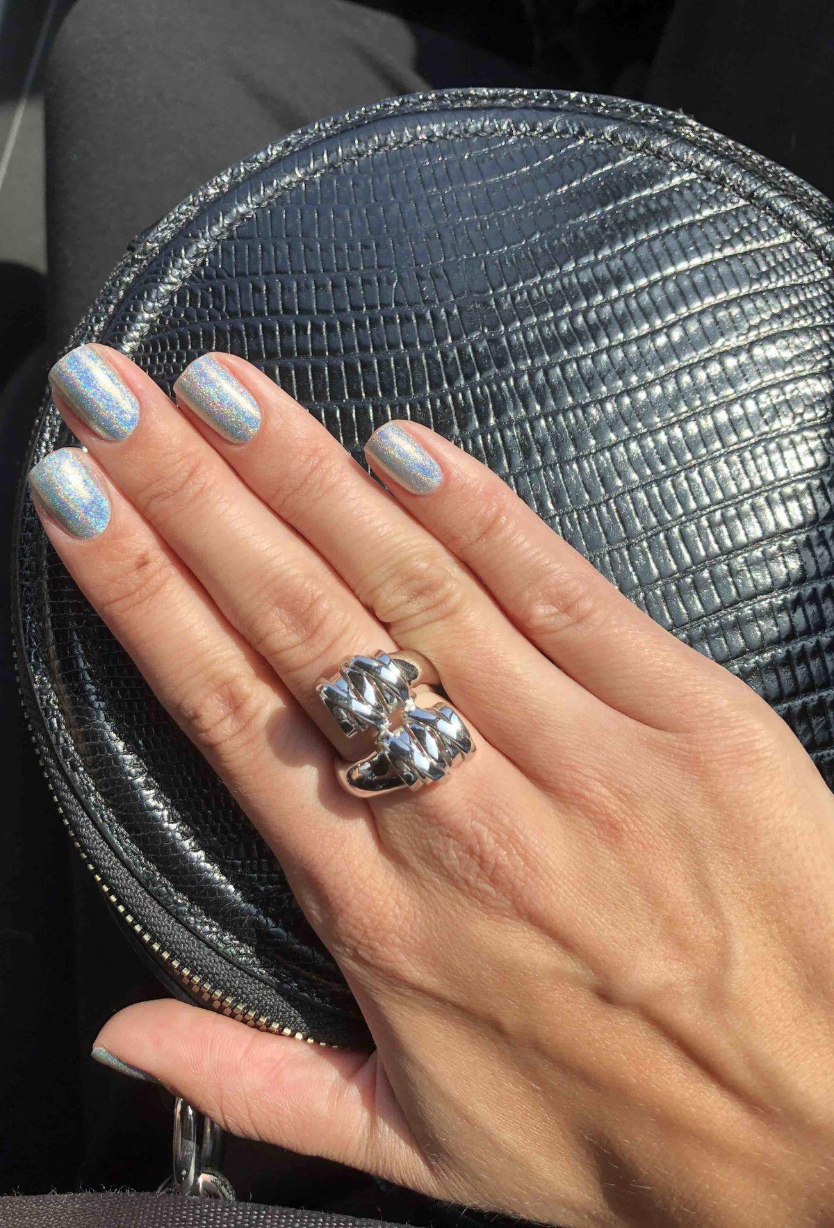 Стильное, оригинальное кольцо
