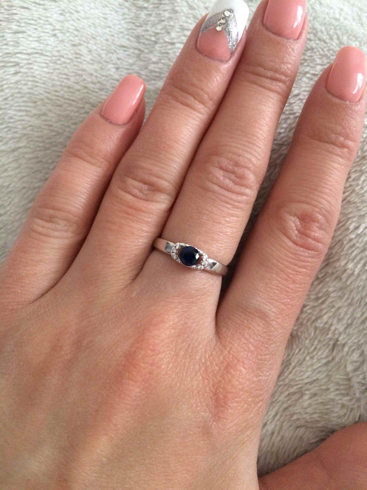 Серебрянное кольцо с сапфиром по отличной цене!