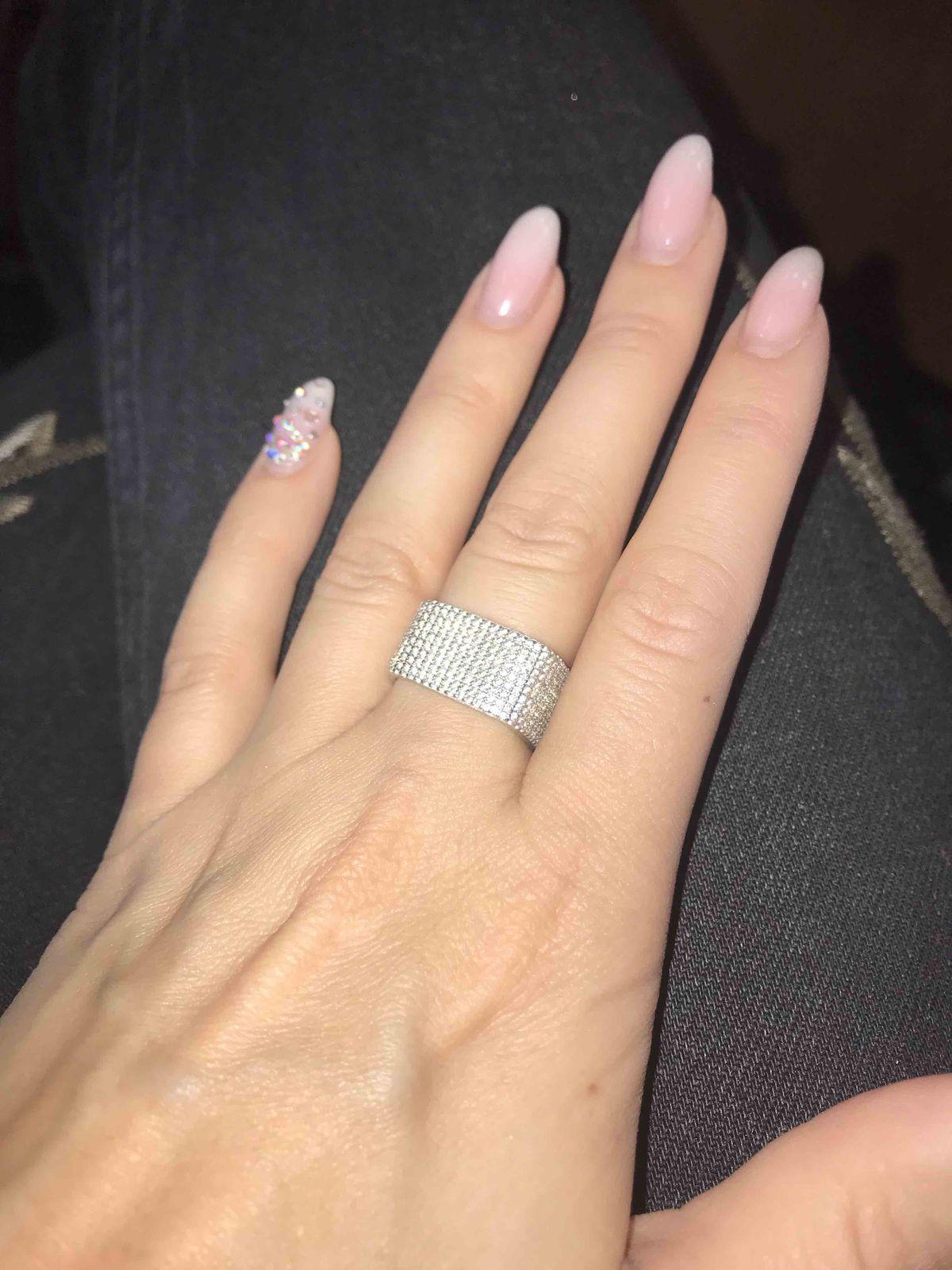 Интересное кольцо за счет формы
