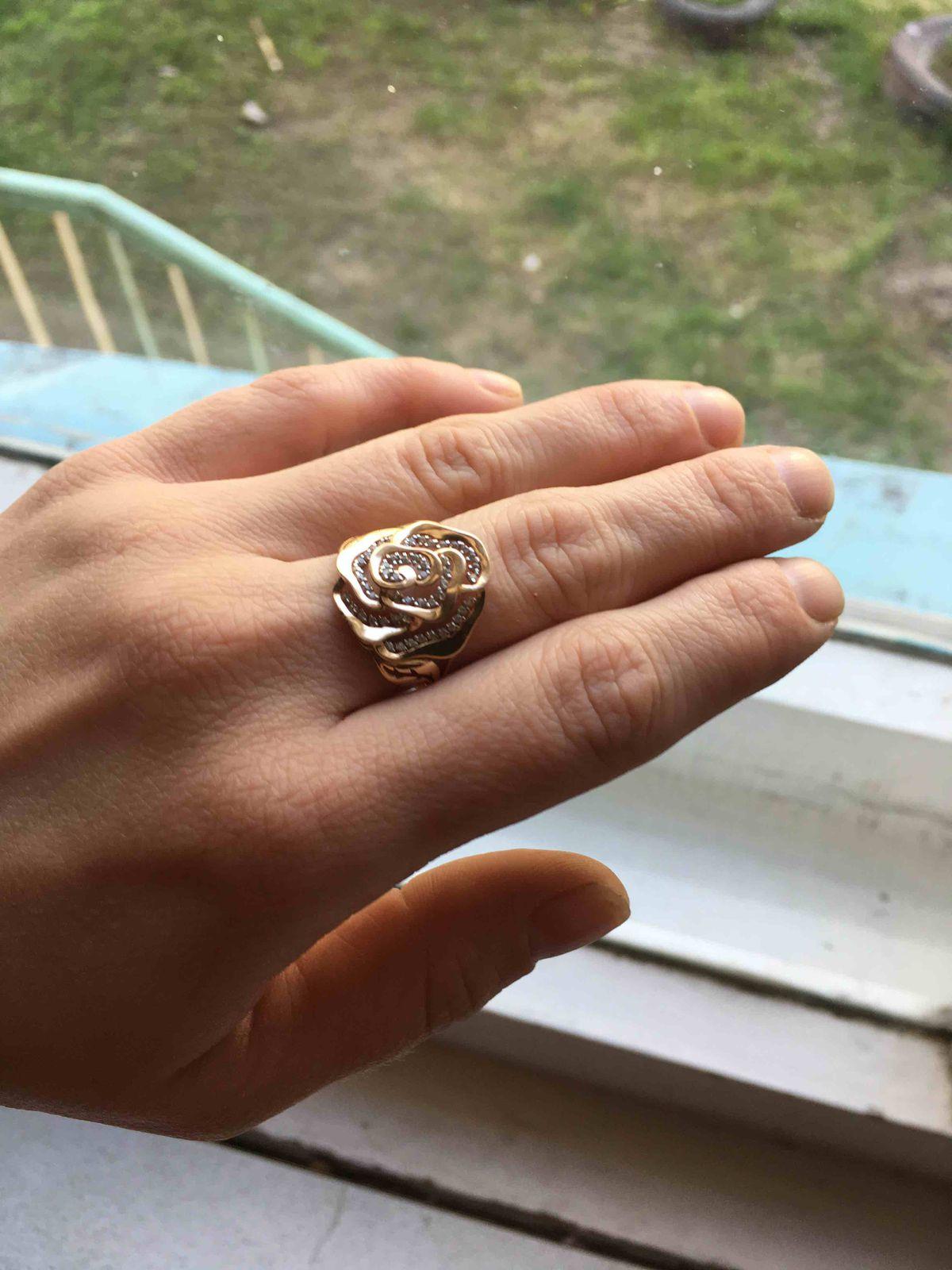 Кольцо Розочка.