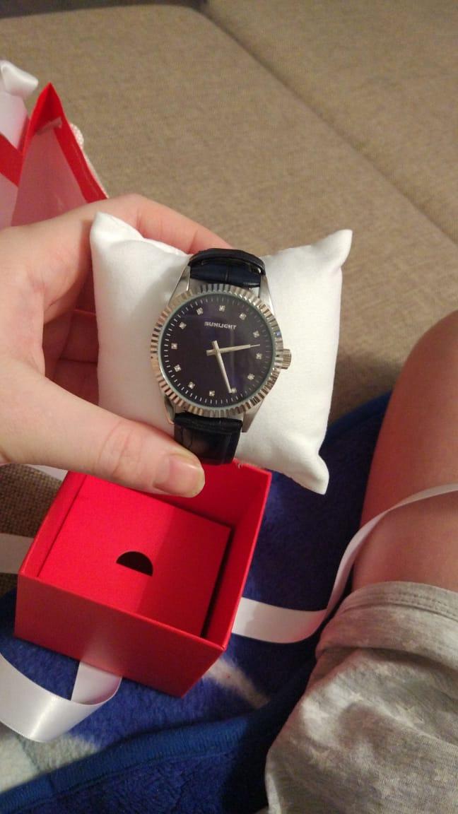 Красивые и стильные часы.