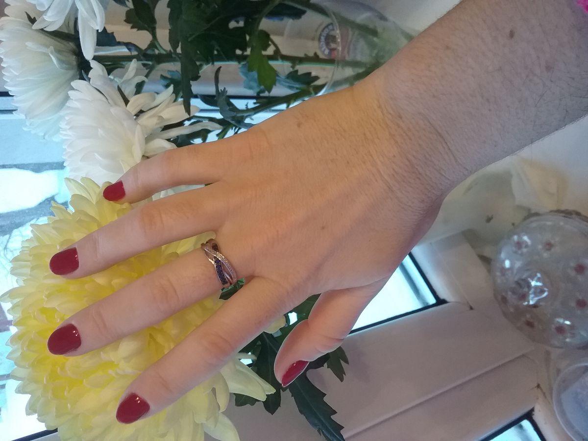 Замечательное кольцо из белого золота