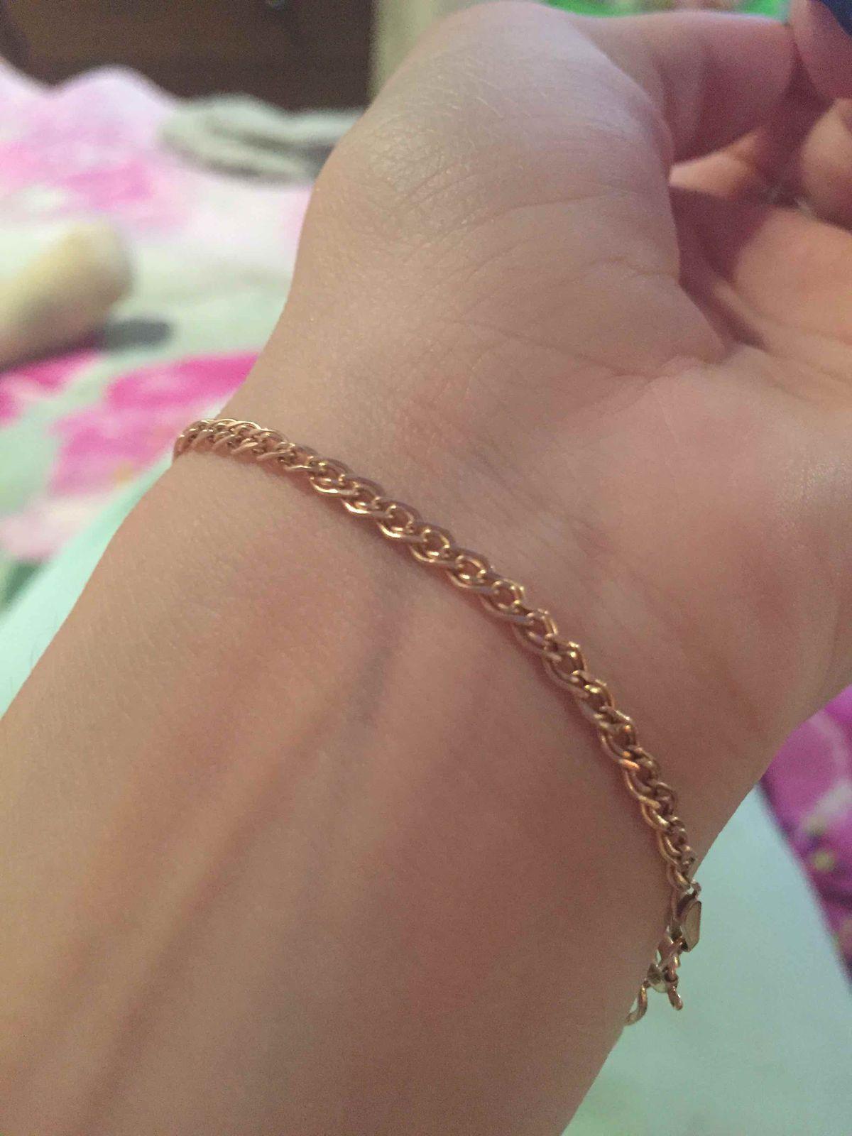 Очень красивый  браслет ,очень аккуратно смотрется на руке ,рада покупке ))