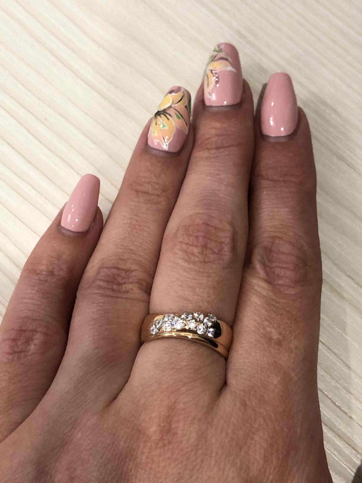 Очаровательное золотое кольцо!