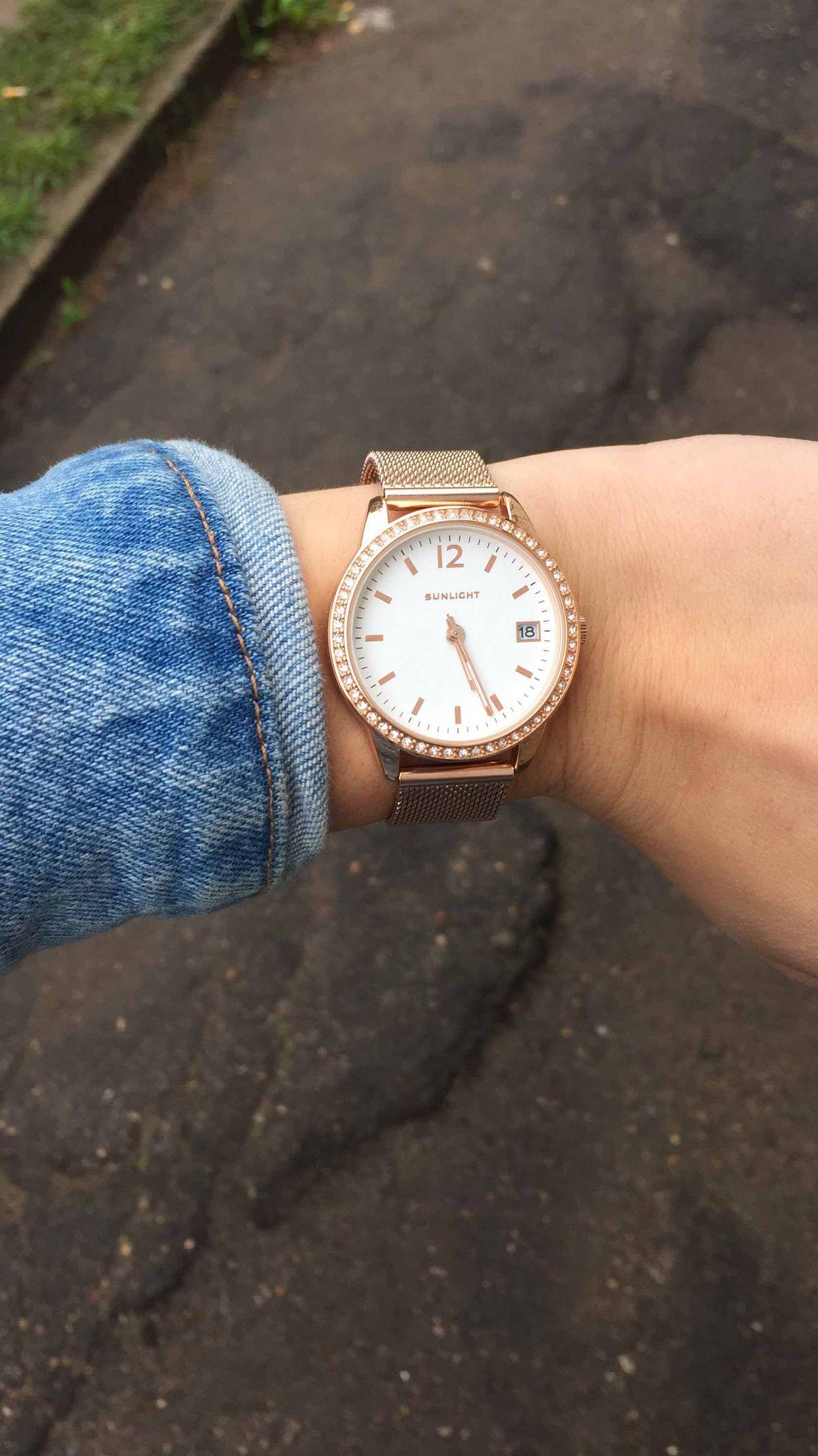 Отличные, женские часы