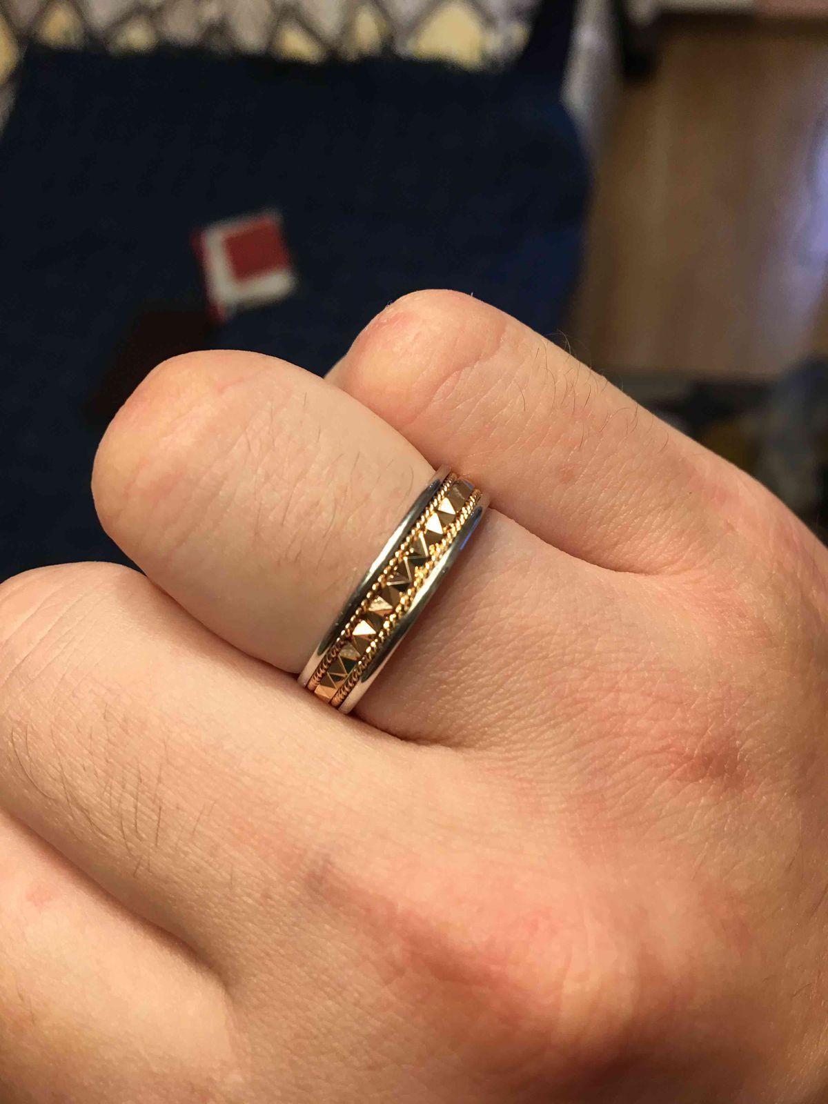 Отличные свадебные кольца