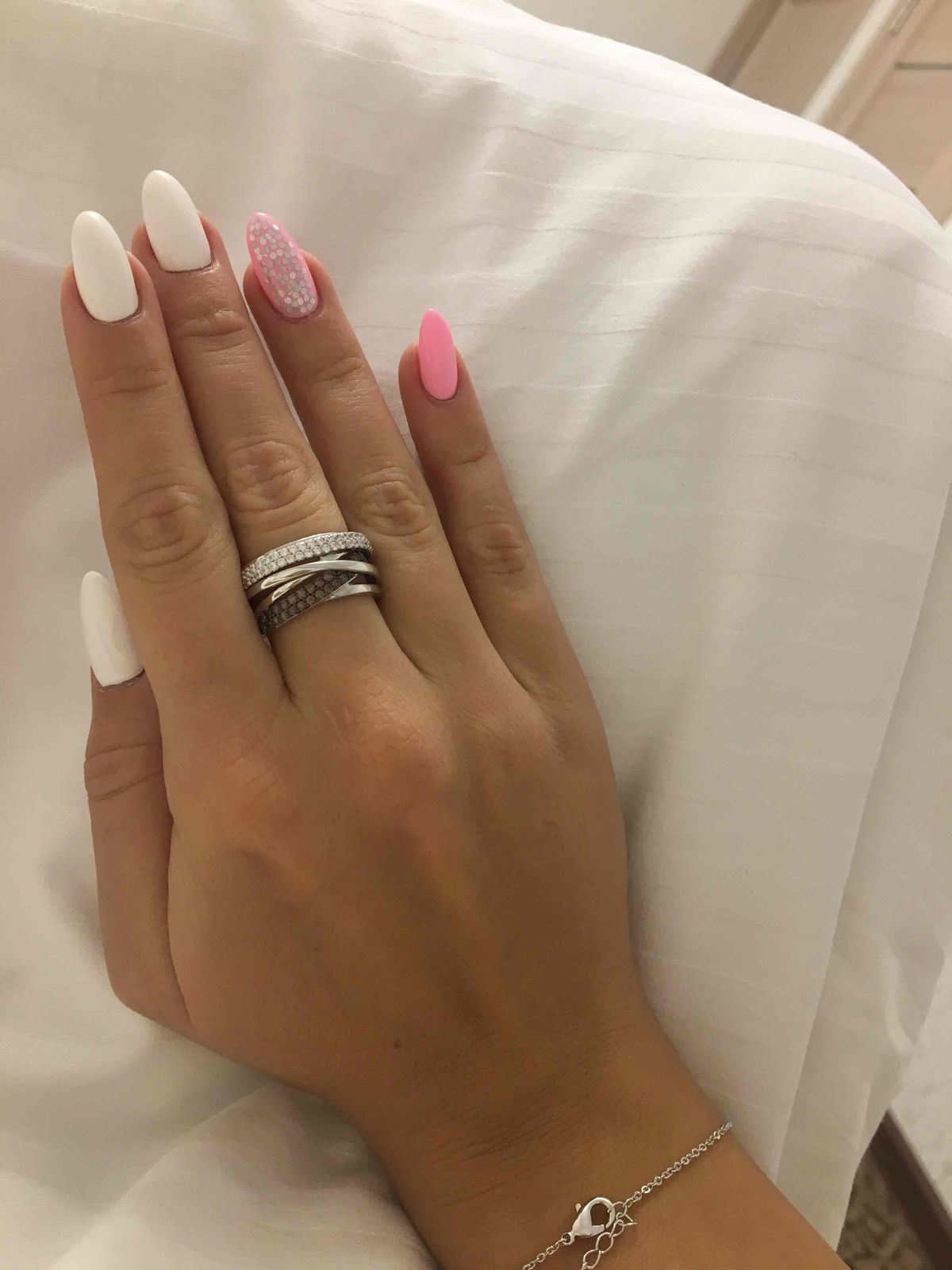 Серебряное кольцо с фианитами, санлайт г бийск. торговый центр воскресенье!