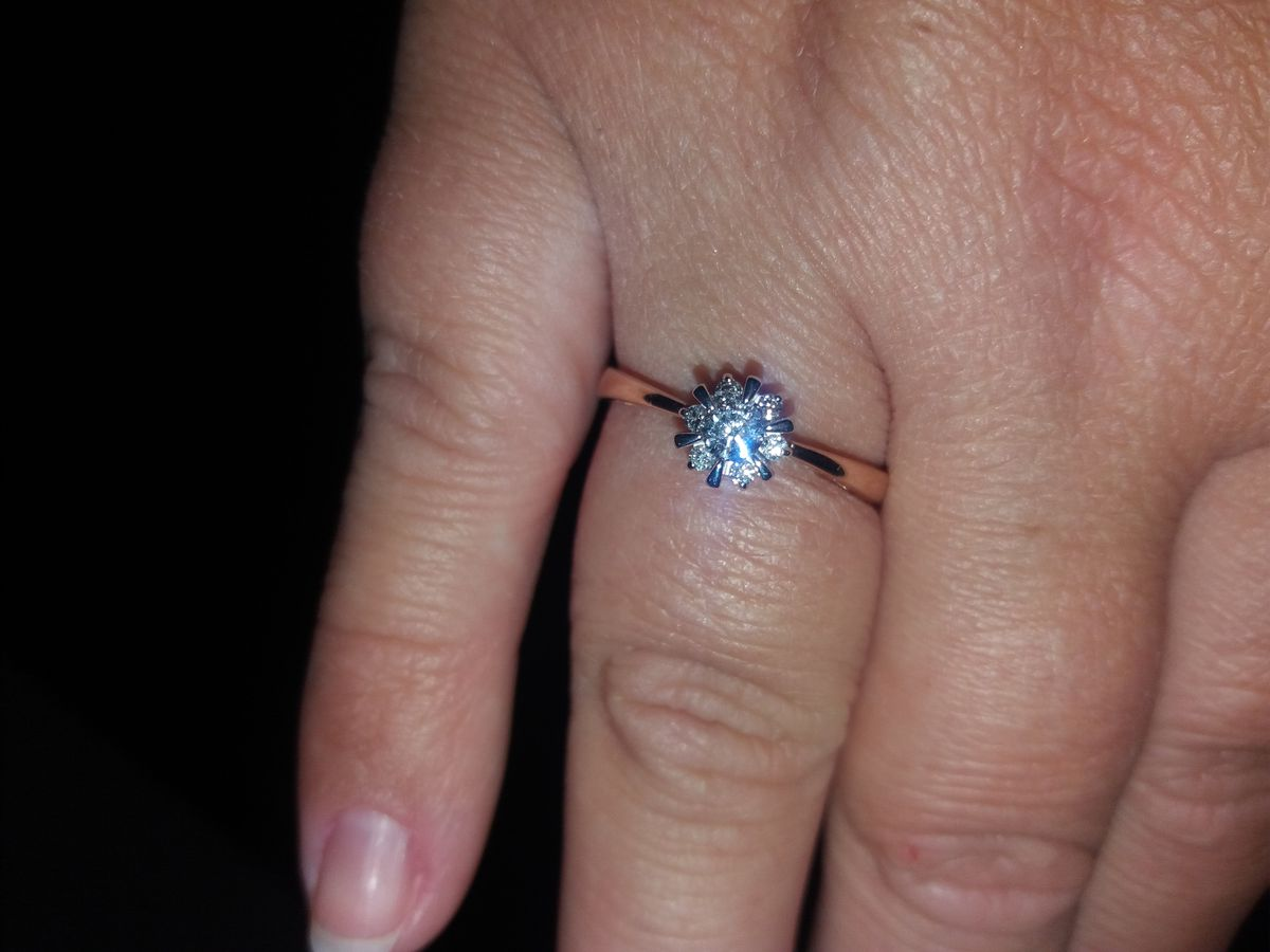 Кольцо с 7 бриллиантами
