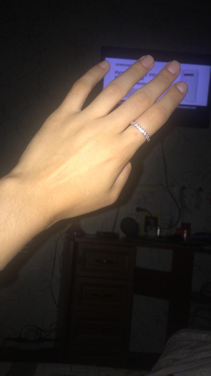 Купил кольцо в подарок
