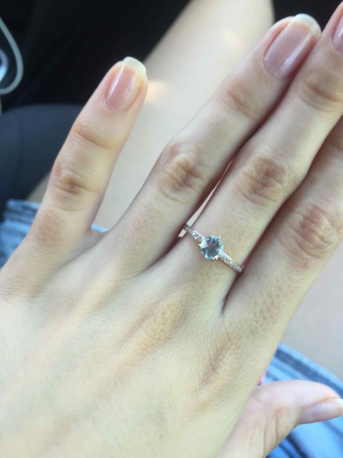 Очень красивое кольцо с топазам