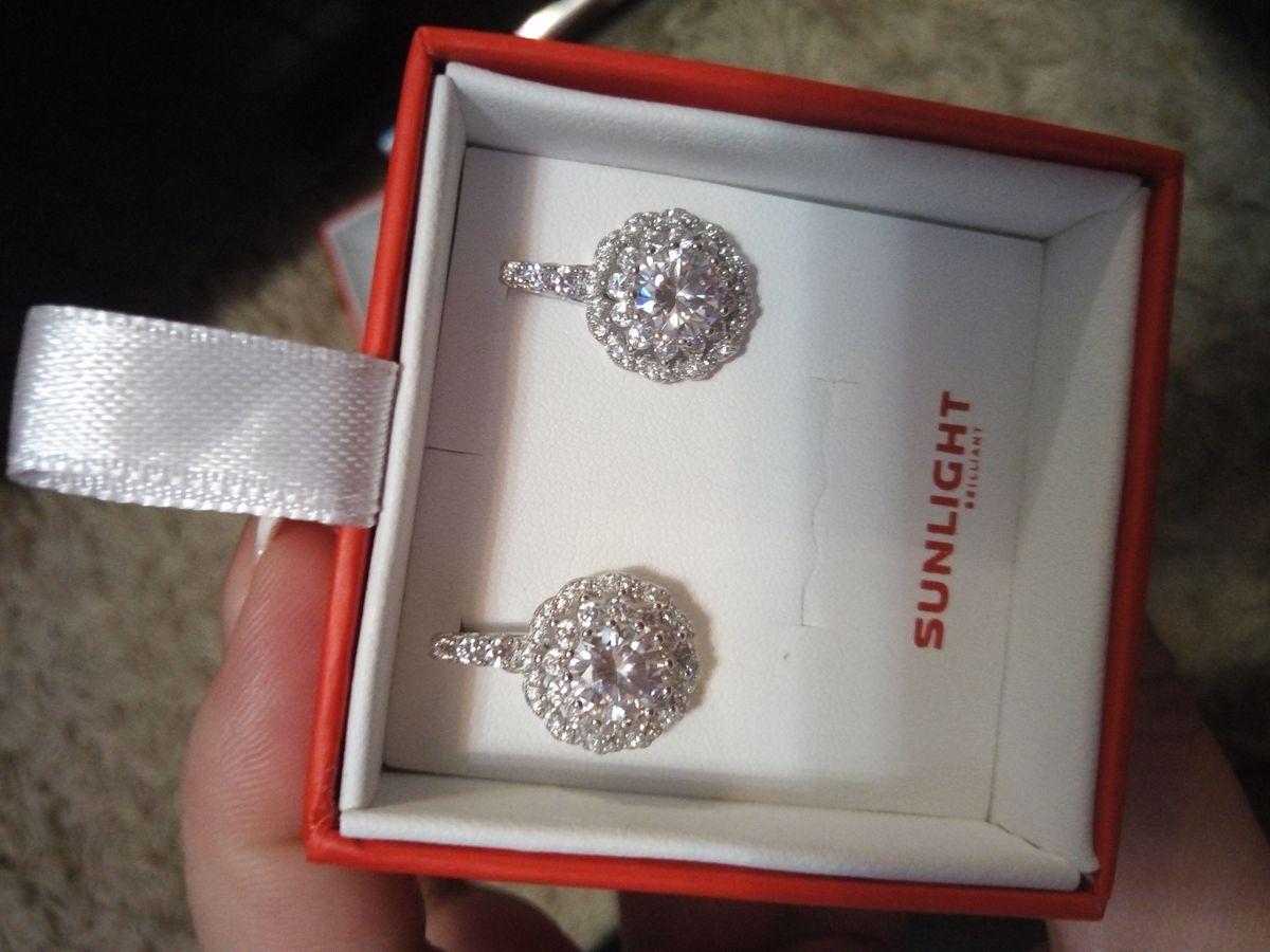 Бриллианты...