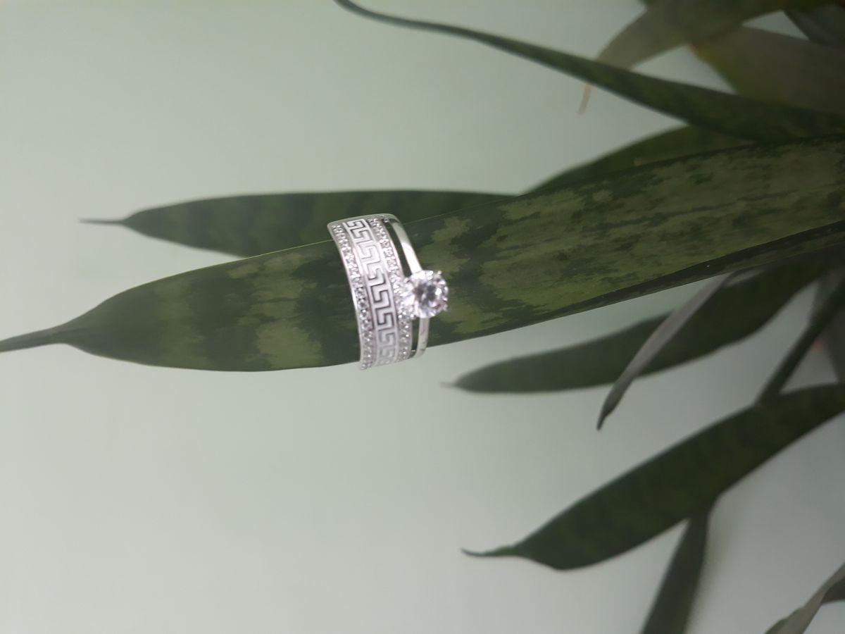 Двойное кольцо с эмалью: шик и нежность в одном кольце!