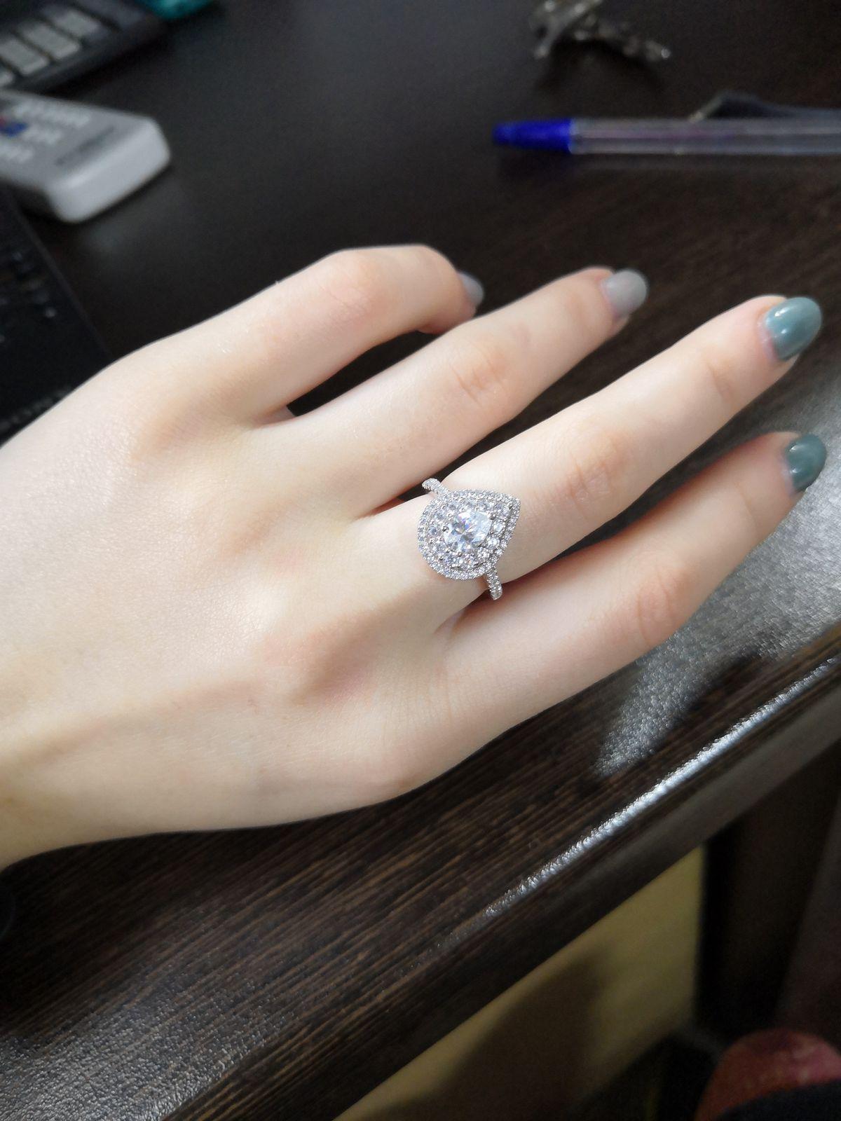 Шикарное, классно смотрится на пальчиках
